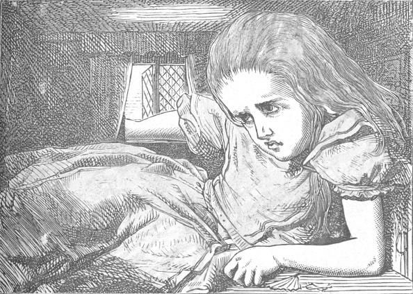 成長「Alice, As She Grows Larger, 1889」:写真・画像(14)[壁紙.com]