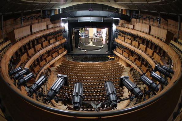 演劇「Behind The Scenes At Glyndebourne Opera As The 2013 Season Ends」:写真・画像(8)[壁紙.com]