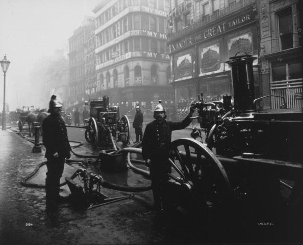 Rescue Worker「City Firemen」:写真・画像(14)[壁紙.com]