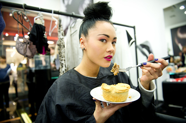 ファッションモデル「Pies On Parade At London Fashion Week As Sainsbury's Launches New Pie Range」:写真・画像(10)[壁紙.com]