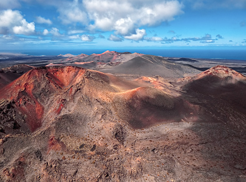 Caldera「Aerial volcanic landscape in Timanfaya National Park, Lanzarote, Canary Islands」:スマホ壁紙(15)