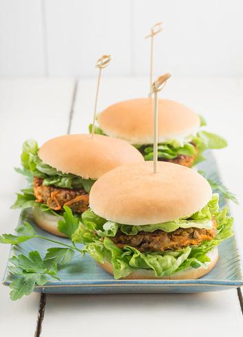 Vegetarian Food「Veggie burgers with lentil dumplings」:スマホ壁紙(14)