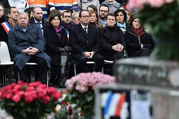 Parisians & Politicians Gather In Place De La Republique To Pay Tribute To 2015 Terrorist Attack Victims:ニュース(壁紙.com)