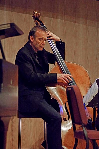 楽器「Pete Ringrose, Birley Centre, Eastbourne, East Sussex, 2015」:写真・画像(1)[壁紙.com]