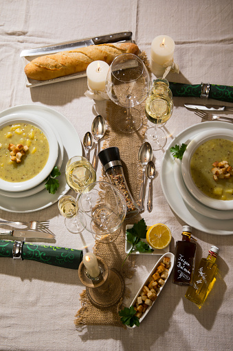Spice「Garlic cream soup with croutons on festive laid table」:スマホ壁紙(15)