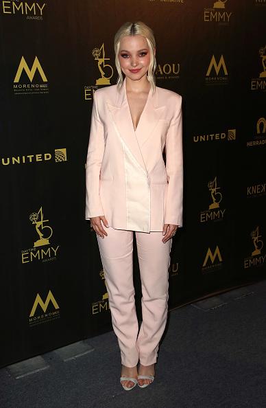 Pant Suit「45th Annual Daytime Creative Arts Emmy Awards - Press Room」:写真・画像(12)[壁紙.com]