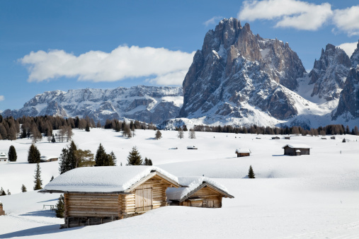 Alto Adige - Italy「Winter landscape with shed and Langkofel mountain in Dolomites, Italy」:スマホ壁紙(14)