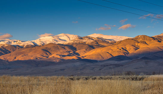 Inyo National Forest「Winter landscape around Bishop California and the Sierra Nevada Mountains with Owens Valley farmland」:スマホ壁紙(3)