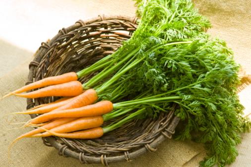 ニンジン「Carrot in a basket」:スマホ壁紙(18)