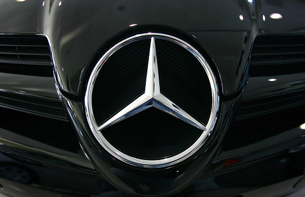 Vehicle Grille「Mercedes To Offer Non-Leather Seats In Its Vehicles」:写真・画像(0)[壁紙.com]