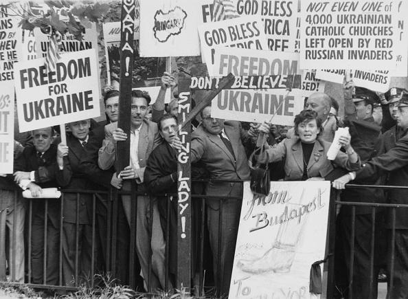 Helmut Kretz「Anti-Khrushchev UN Demo」:写真・画像(18)[壁紙.com]