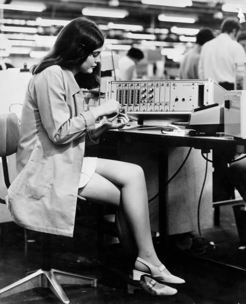 Electronics Worker:ニュース(壁紙.com)