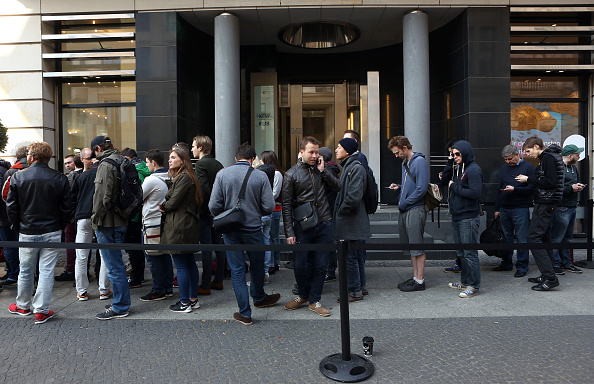 Apple Watch「Apple Watch Goes On Sale At Handful Of Boutiques Around The World」:写真・画像(17)[壁紙.com]