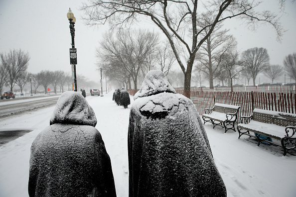 Snow「Mid Atlantic States Prepare For Large Snow Storm」:写真・画像(15)[壁紙.com]