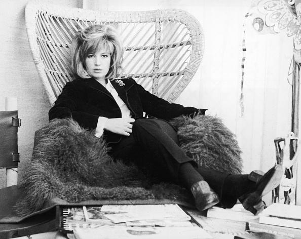 Furniture「Monica Vitti In Wicker Lounge Chair, 1965.」:写真・画像(18)[壁紙.com]
