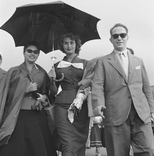 Umbrella「Under The Rain」:写真・画像(5)[壁紙.com]