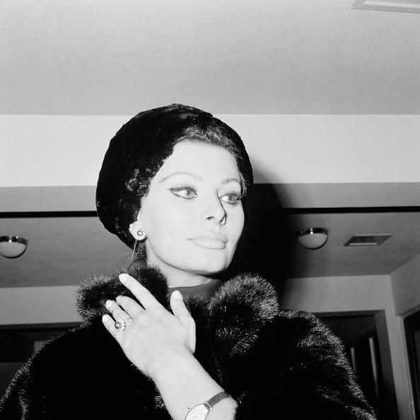 Warm Clothing「Sophia Loren」:写真・画像(6)[壁紙.com]