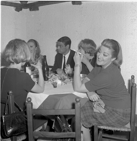 Ingredient「Italian actress Lia Zoppelli having lunch with friends at the Italian restaurant 'Cucurucu'」:写真・画像(9)[壁紙.com]