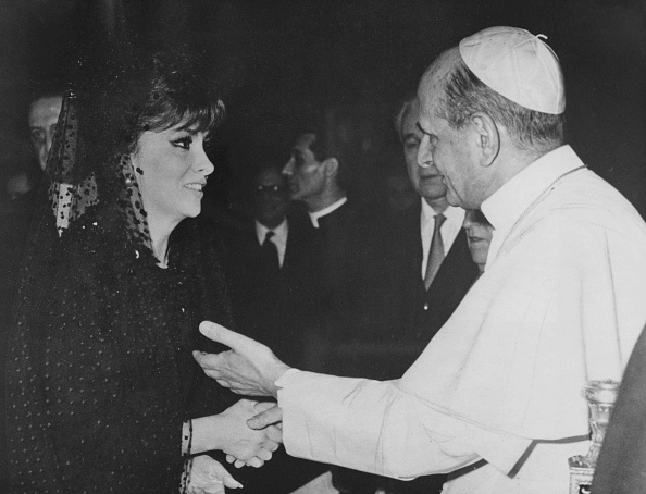 Actress「Gina And The Pope」:写真・画像(1)[壁紙.com]