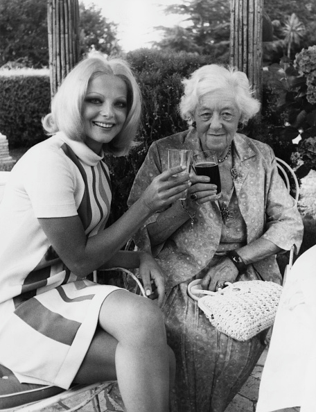 女優「Virna Lisi And Margaret Rutherford」:写真・画像(7)[壁紙.com]