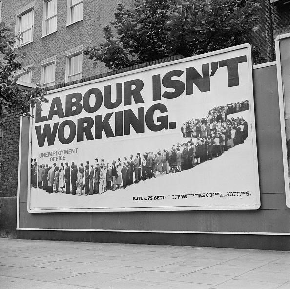 Placard「Labour Isn't Working」:写真・画像(9)[壁紙.com]