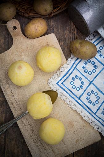 Dumpling「Potato dumplings on cutting board and potato ricer」:スマホ壁紙(14)