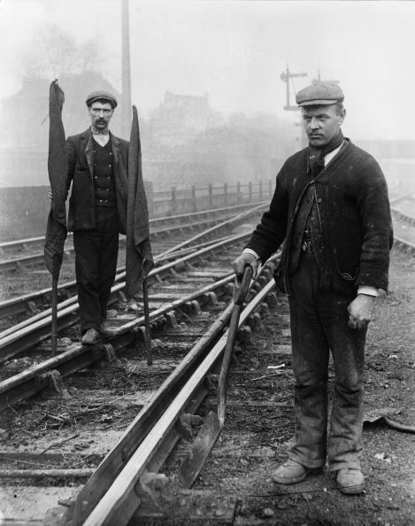 Topical Press Agency「Railway Employees」:写真・画像(9)[壁紙.com]