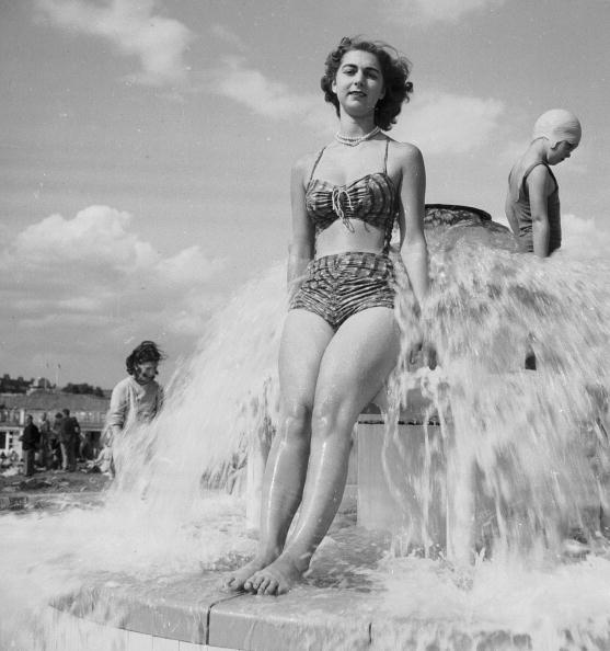 Cool Attitude「Fountain Fun」:写真・画像(1)[壁紙.com]