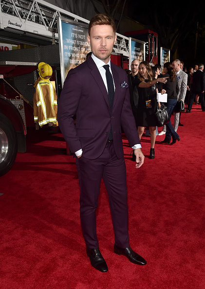 下襟「Premiere Of Columbia Pictures' 'Only The Brave' - Red Carpet」:写真・画像(15)[壁紙.com]