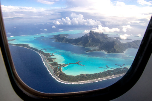 Airplane「Bora Bora through the window」:スマホ壁紙(7)