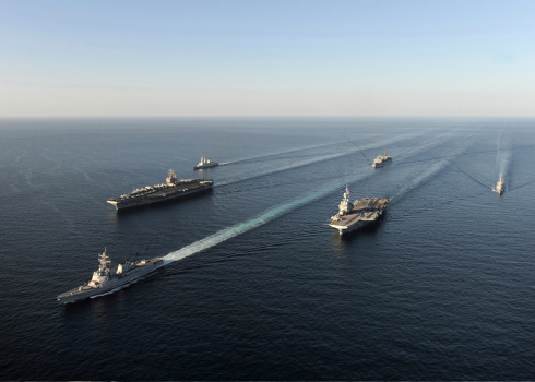 アラビア海「Fleet of Navy ships transit the Arabian Sea.」:スマホ壁紙(5)
