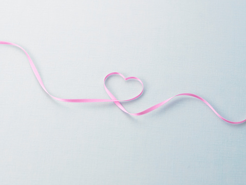ハート「Ribbon making heart shape」:スマホ壁紙(3)