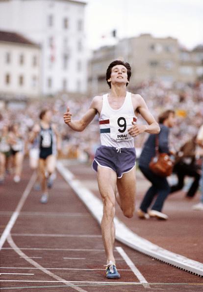 Club Soccer「Sebastian Coe breaks the Golden Mile Oslo 1979」:写真・画像(2)[壁紙.com]