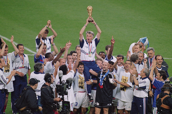 Winning「France win the 1998 FIFA World Cup Final」:写真・画像(9)[壁紙.com]