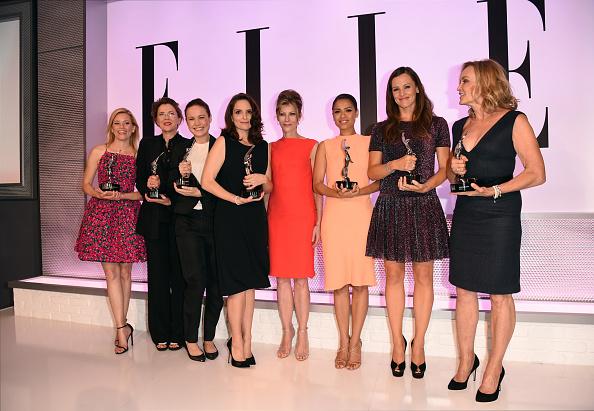 Personal Accessory「ELLE's 21st Annual Women In Hollywood Celebration - Roaming Inside」:写真・画像(18)[壁紙.com]