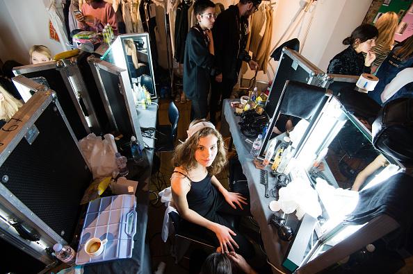 London Fashion Week「steventai - Backstage - LFW February 2017」:写真・画像(12)[壁紙.com]