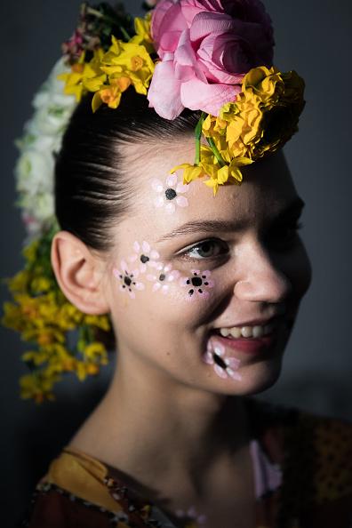 London Fashion Week「Tata Naka - Backstage - LFW February 2017」:写真・画像(2)[壁紙.com]