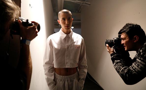 Tristan Fewings「Xander Zhou - Backstage - LFW Men's January 2017」:写真・画像(5)[壁紙.com]