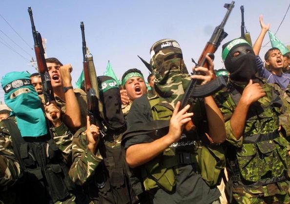 Hamas「Palestinians Mourn Death Of Senior Hamas Commander In Rafah Refugee Camp 」:写真・画像(18)[壁紙.com]