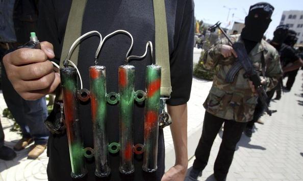 Suicide Bombing「Palestinian Militants Hold Anti-Israeli Protest In Gaza」:写真・画像(5)[壁紙.com]