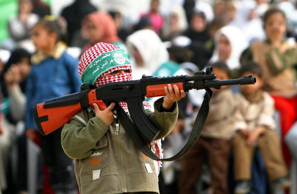 Hamas「Hamas Holds Rally To Commemorate Death Of Military Leader」:写真・画像(15)[壁紙.com]