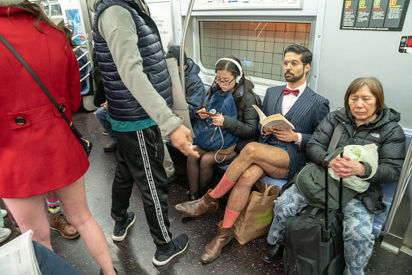 Participant「People Participate In The Annual No Pants Subway Ride」:写真・画像(14)[壁紙.com]