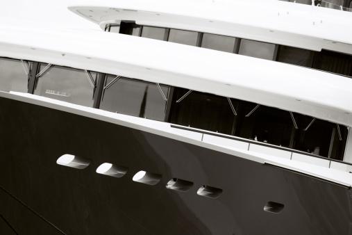 Porthole「Motor Yacht's Bridge」:スマホ壁紙(10)