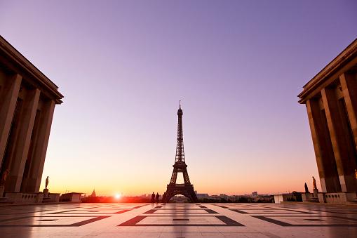 Town Square「Esplanade du Trocadero and Eiffel Tower」:スマホ壁紙(2)