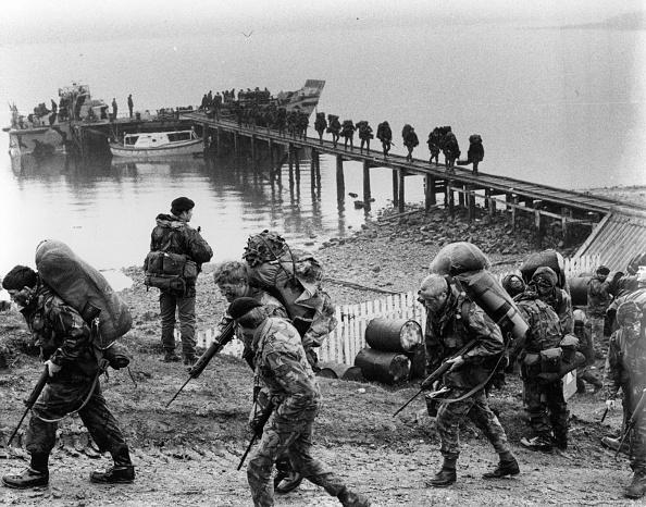 Falkland Islands「Troops Arriving」:写真・画像(1)[壁紙.com]
