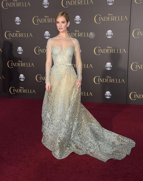 """El Capitan Theatre「Premiere Of Disney's """"Cinderella"""" - Arrivals」:写真・画像(1)[壁紙.com]"""