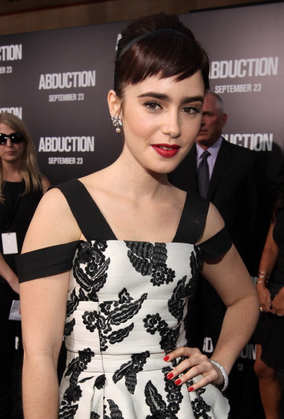 真珠「Premiere Of Lionsgate Films' 'Abduction' - Red Carpet」:写真・画像(8)[壁紙.com]