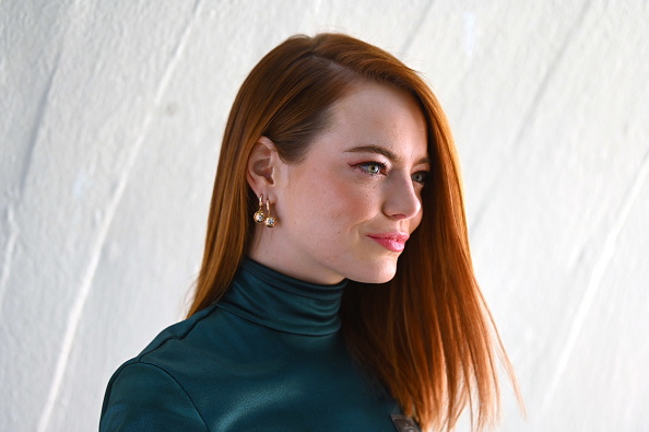 Emma Stone「Louis Vuitton Cruise 2020 Fashion Show」:写真・画像(5)[壁紙.com]