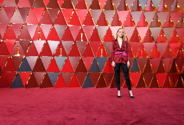 Emma Stone「90th Annual Academy Awards - Arrivals」:写真・画像(0)[壁紙.com]