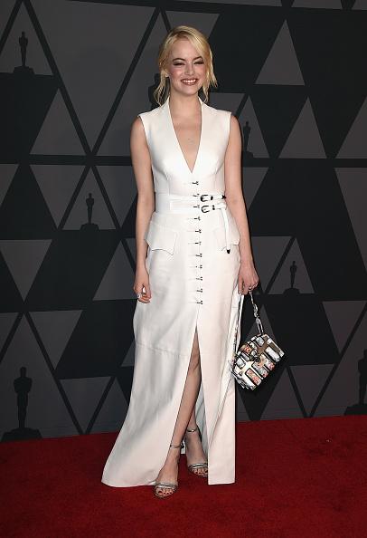 エマ・ストーン「Academy Of Motion Picture Arts And Sciences' 9th Annual Governors Awards - Arrivals」:写真・画像(4)[壁紙.com]